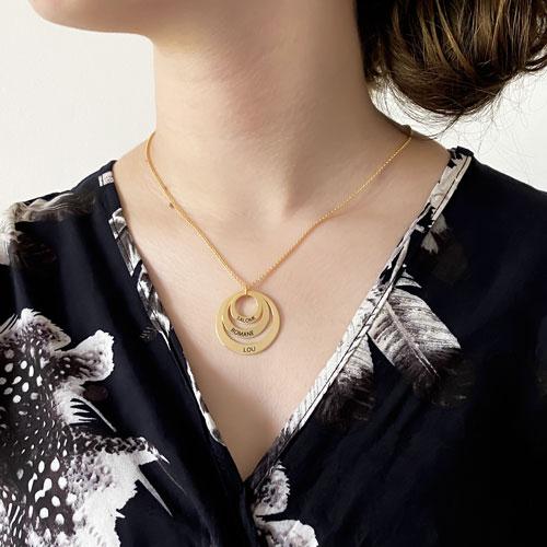 Bijou personnalisé collier en forme de 3 anneaux à personnaliser avec texte