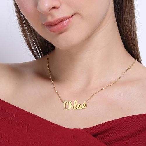 Collier écriture cursive en plaqué Or 18 carats ce magnifique collier prénom et aussi disponible en Argent Massif ou plaqué Or rose 18 carats