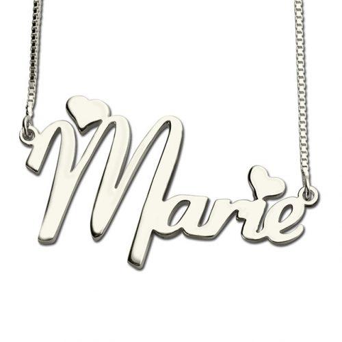 Rendez ce magnifique collier prénom personnalisé 2 coeurs unique, en y ajoutant votre prénom ou celui des personnes qui vous son chères