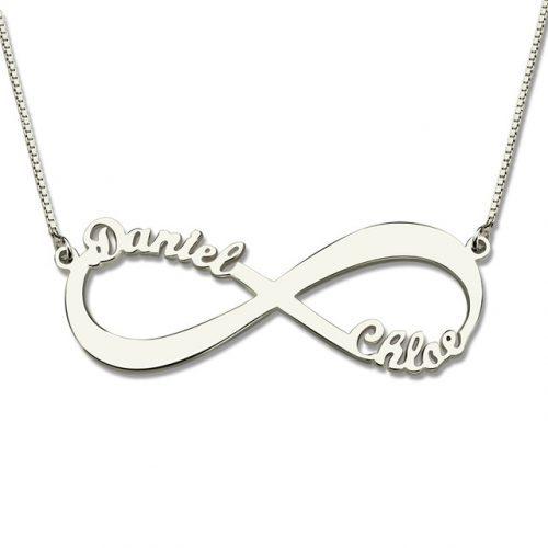 Pour toutes les occasions de la vie, les grandes comme les petites, ce collier infini 2 prénoms à personnaliser fera un joli cadeau