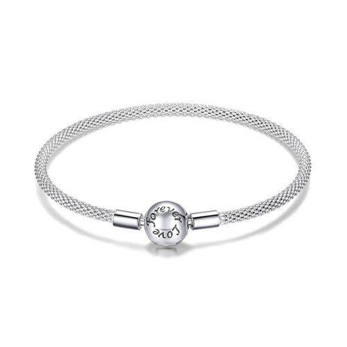 """Craquez pour ce sublime bracelet à charms sphère,orné de l'inscription """"Love forever"""", parfait pour commencer votre collection de charms"""