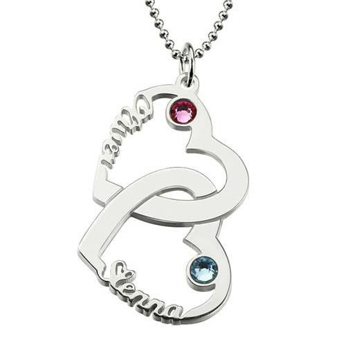 Portez ou offrez ce sublime collier prénom 2 coeurs entrelacés à personnaliser. C'est le cadeau idéal pour la femme de votre vie, ou votre maman, ou amie