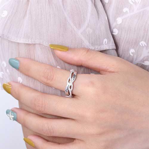 Bague de fiançailles gravée personnalisée cadeau personnalisée