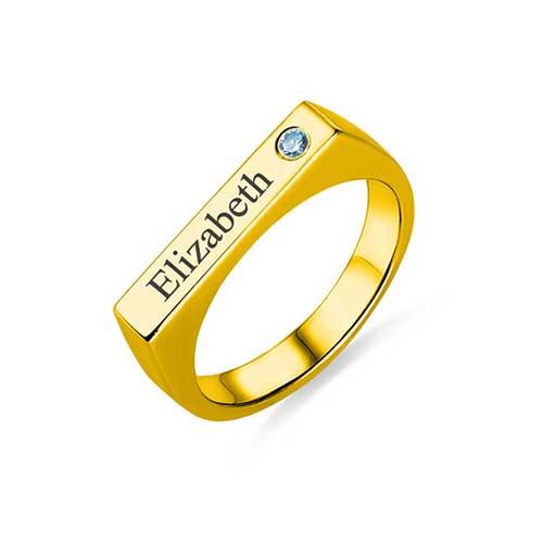 Chevalière pour femme personnalisable en plaqué Or, un bijou tendance et unique aussi disponible en argent Massif 925, ou plaqué Or rose