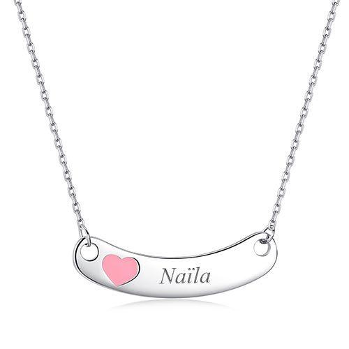 Collier pour enfant à graver en argent Massif 925 avec un prénom, ou un message. Magnifique collier agrémenté d'un joli coeur de couleur rose.