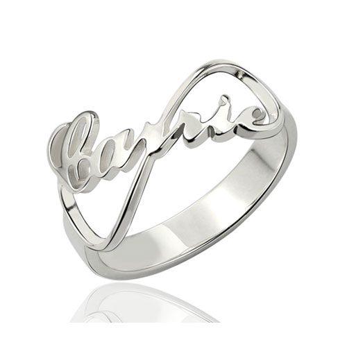 Bague prénom infini personnalisée, symbole d'amour, à offrir aux personnes qui vous sont chères, un cadeau qui saura résister aux épreuves du temps