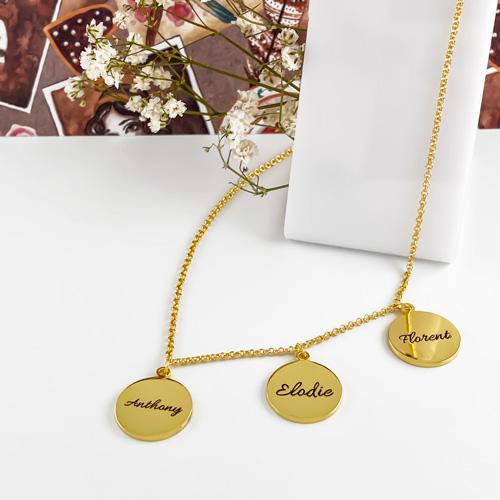 Cadeau personnalisé collier prénom médaillon personnalisé