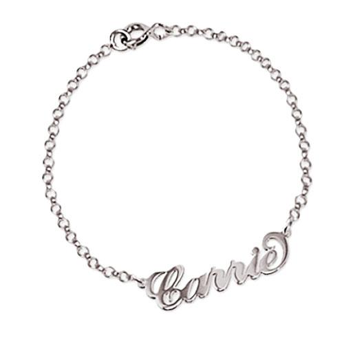 Bracelet prénom Carrie Bradshaw, ce joli bijou a su allier la légèreté et la simplicité avec son style unique, adopté par les grands comme les petits en Argent Massif 925