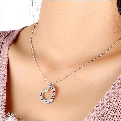 Collier coeur 4 prénoms avec pierres de naissance personnalisables