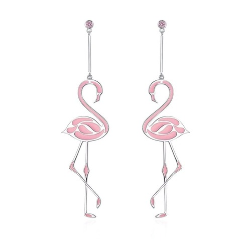 Boucles d'oreilles flamant roseUne petite touche créative, pour le printemps été, le rose et la couleur idéal pour donner du peps à vos tenues.
