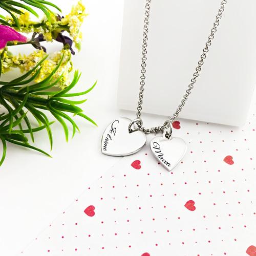 Collier personnalisé 2 coeurs, deux pendentifs en forme de coeur en argent 925 à graver de l'inscription de votre choix.