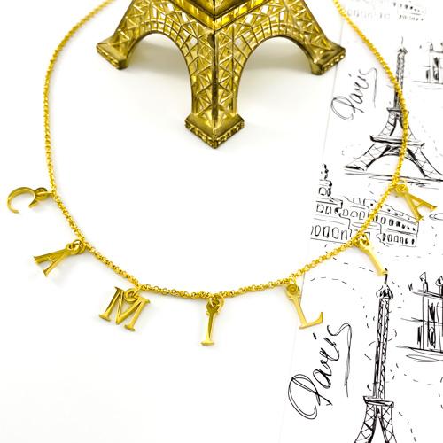 Cadeau personnalisé collier avec lettre de l'alphabet