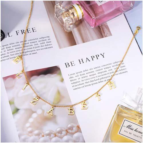 Collier prénom lettre personnalisé ce cadeau romantique constitue un bijou personnalisé idéal