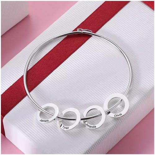 Bracelet avec pendentifs anneaux personnalisés en argent massif 925