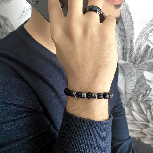Bracelet gravé pierre de lave noir